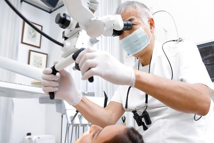 西国分寺の歯科医院レガデンタルクリニック、診療案内の様子